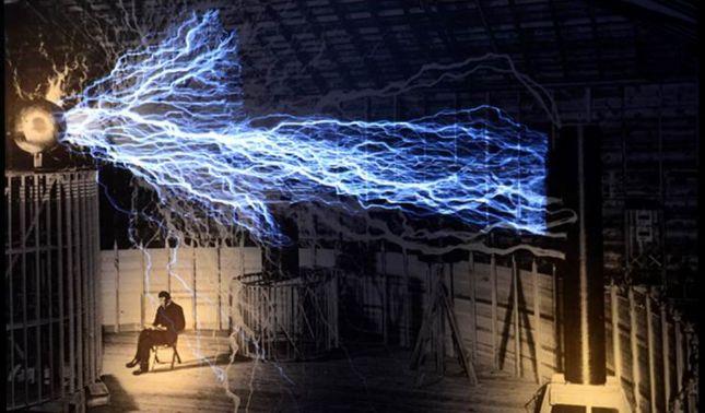 rceni - Nikola Tesla - El -hombre -que -SIGUE- cambiando- el -mundo-