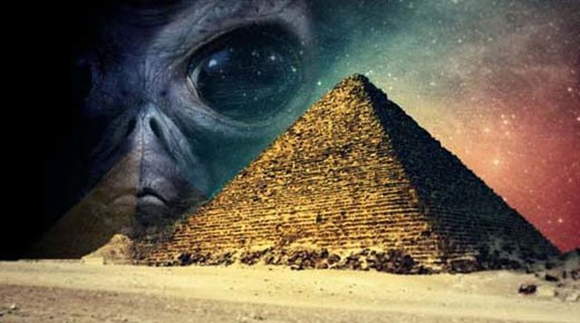 La Gran Pirámide de Guiza podría contener un trono de origen extraterrestre.