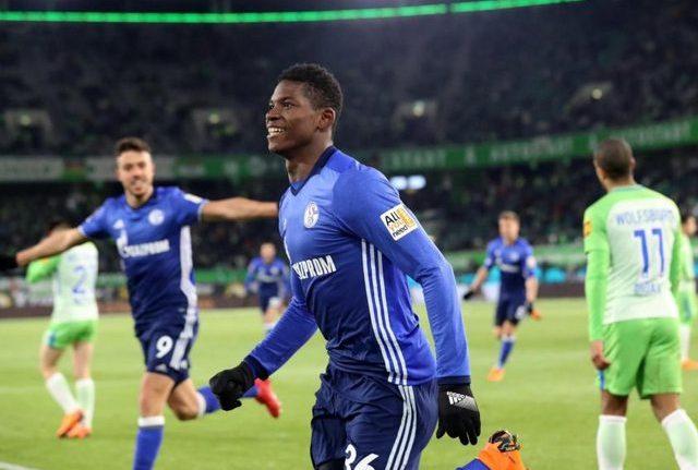 RCENI-Schalke 04 gana y retrasa el título del Bayern
