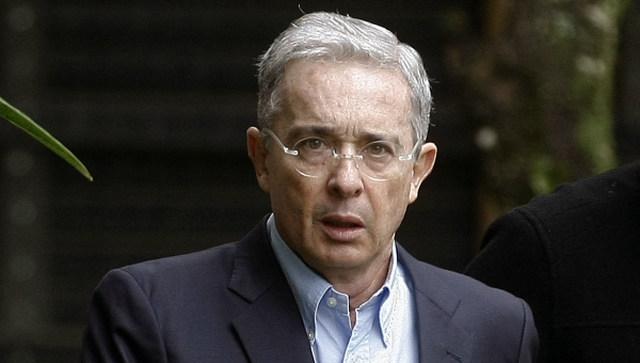 rceni-alvaro-uribe-el-senador-mas-votadp-en la historia de-colombia