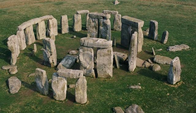 rceni-Stonehengpiedras-alli-antes-que-humanos