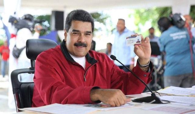 rceni - gasolina sólo con el carnet -de-la-patria-afirmo-Maduro-
