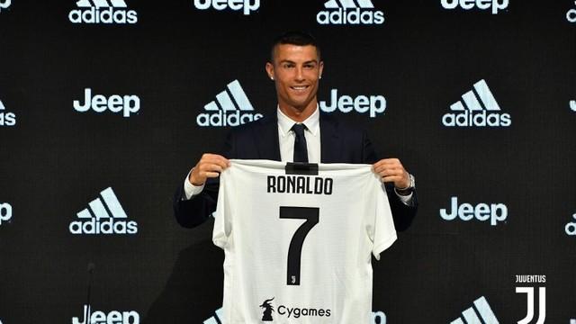 rceni - Juventus de Turín -presento-a-Cristiano-Ronaldo-