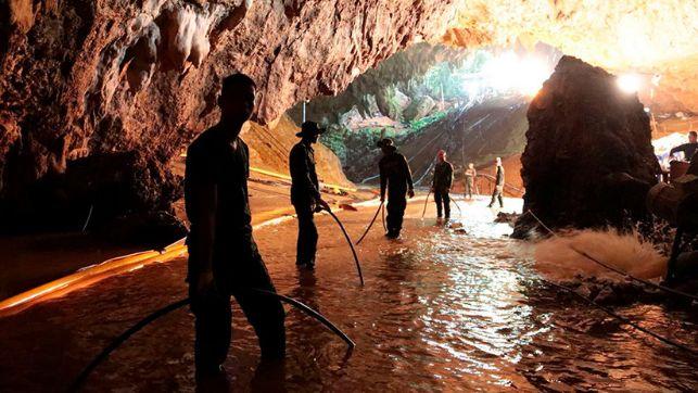 rceni - operación de rescate -publican-Tailandia-video-