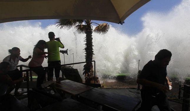rceni - Fuerte oleaje- impactará- Centroamérica -desde -el -viernes-