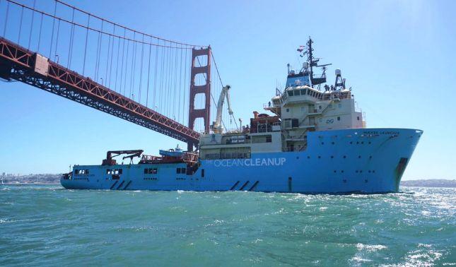 rceni - Sistema de Limpieza Oceánico - para-eliminar-el-plastico-esta-en-marcha-