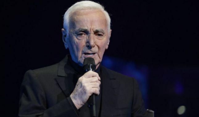 rceni - Patio de los Inválidos -Francia -despidió- con -honores- a -Charles -Aznavour-