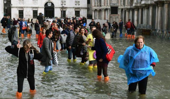 rceni - Venecia -esta -bajo -el -agua -por- Intensas- lluvias- en- Italia-