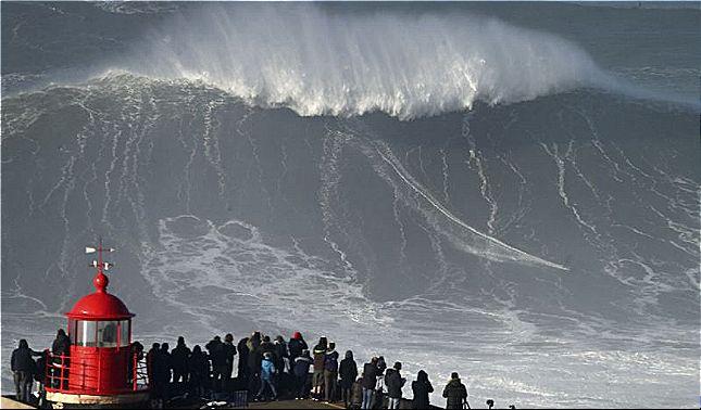 rceni - Enormes olas - advierten -que- seran -de -más -15 -metros -en -California-