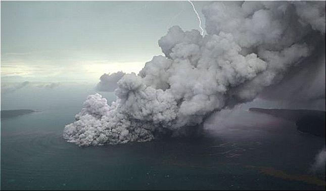 rceni - Volcán Anak Krakatoa - imagenes- de- satelite- muestran- desaparicion -parcial-