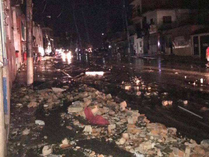 Fuerte tornado destruye buena parte de la Habana Cuba