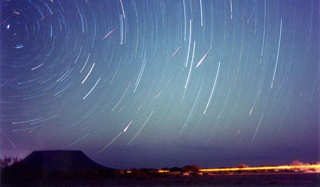 rceni - Lluvia de meteoros - de -las- Líridas -iluminará -el -cielo -antes -de- fin- de -mes-