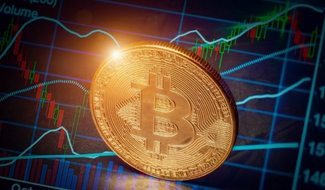 rceni - Bitcoin sigue subiendo - llega- a -9.000$ -otras- criptomonedas -estan -en -alza-