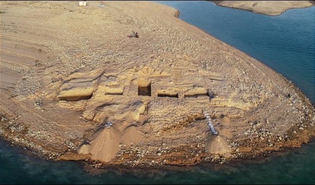 rceni - Palacio del imperio Mittani - de -3.400 -años -aparce- en- Irak- por- sequia-