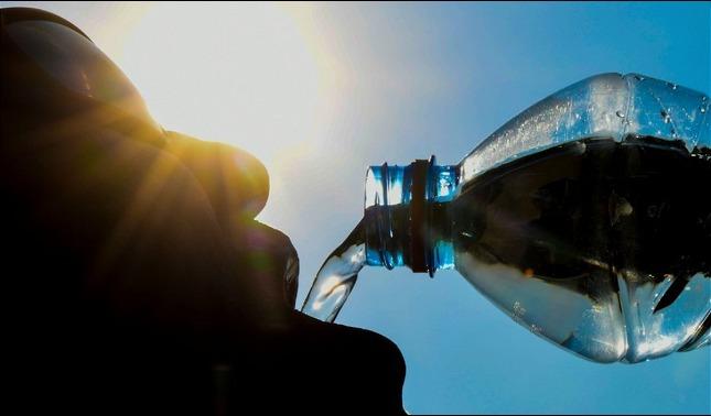 rceni - Los microplásticos -en- el -agua -potable -OMS -evalúa -los -riesgos -