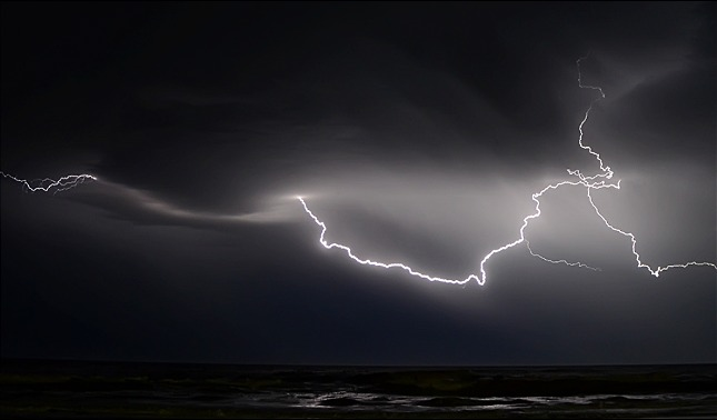 rceni - Inestabilidad atmosférica - rayos-impactan -cerca -del- Polo -Norte -