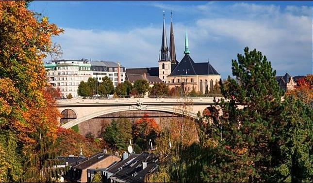 rceni - Luxemburgo - el -primer- pais- del -mundo -con -transporte- público -gratis-