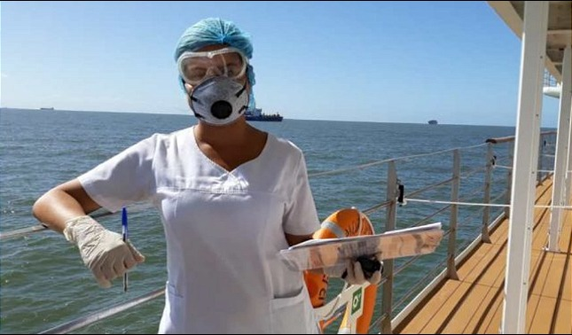 rceni - Médica venezolana -aborda- crucero- varado- en -Uruguay- y- salva -pasajeros-