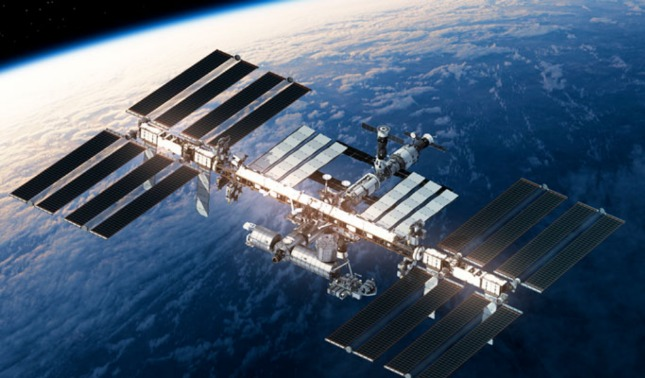 rceni - turistas espaciales - Rusia -llevara- dos -personas- a- la -EEI- en- 2023 -