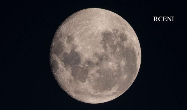rceni - Metales -en- el- subsuelo -de- la- Luna- hace- reconsiderar- el- origen- del -satélite-