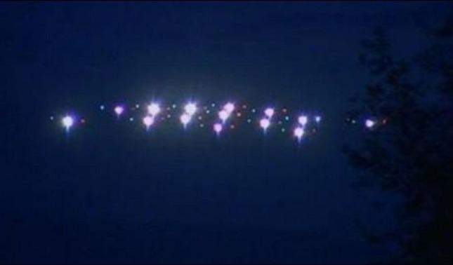 rceni - Ovnis invaden los cielos -estan -tratando -de- decirnos- algo-