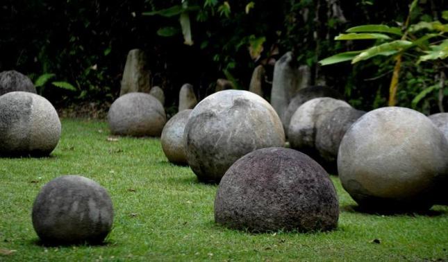 rceni - Esferas de piedra - en- Costa- Rica -algunas- teorías -sobre -su- origen -