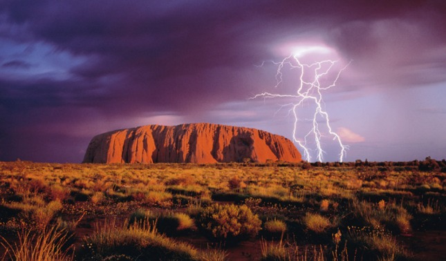 rceni - Monte uluru -en -australia -no- permite -caminatas -virtuales- en -google -maps-