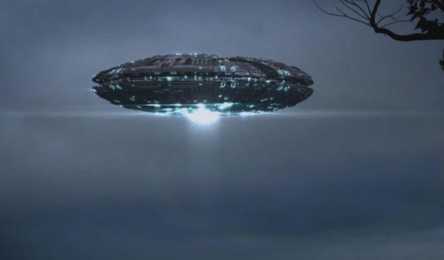 Los ovnis no están solos avistamiento de naves nodrizas extraterrestres en nuestro planeta