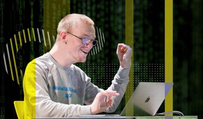 rceni - Iván Bakaídov - crea -un -programa -para -discapacitados- hablar- con -la -mirada-