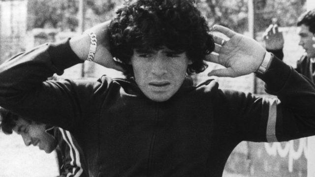 rceni - MARADONA -el -mito -sobrevivirá -a -Maradona -Fernando -Mires -