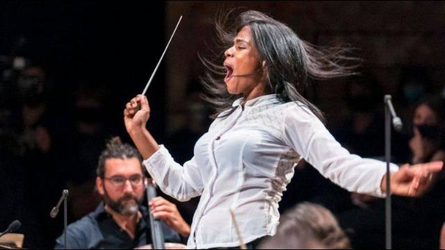 rceni - Glass Marcano - la -joven -venezolana- que- dirige- una -orquesta -en- París-