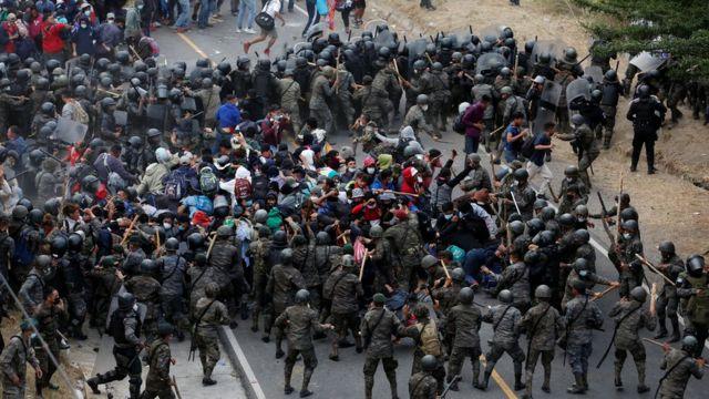 rceni - El gobierno de Honduras -reclama -a -Guatemala -por -represion- a -caravana -