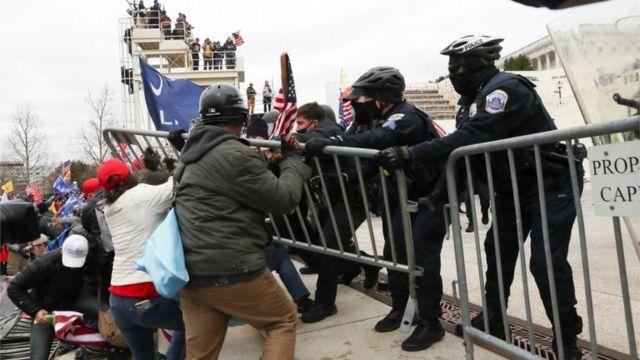 rceni - Manifestantes que apoyan a Trump - logran -entrar- al -capitolio -