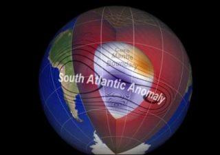 rceni - Anomalía -del- campo -magnético- sobre- Sudamérica- sigue -creciendo-