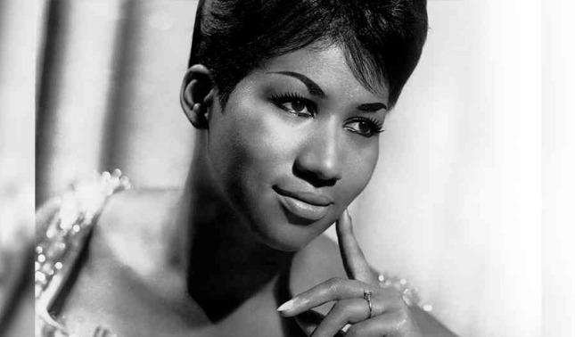 """rceni - Aretha Franklin -la -Reina- del- soul""""- una -de- más -las -grandes- se- fue-"""
