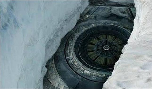rceni - Ovnis - y- maquinas -extraterrestres- estan-en -los-polos- afirma- oficial -ruso-