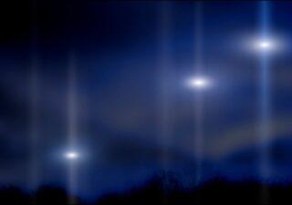 rceni - Extrañas esferas de luz -son -captadas- en- los- cielos- videos-