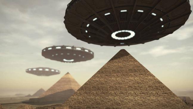 rceni - Ovnis sobre las pirámides -de -Giza- en- Egipto -videos-