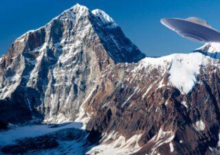 rceni - Alaska - analista- de- la -CIA -descubre -una- base- alienígena- en -Mount -Hayes-